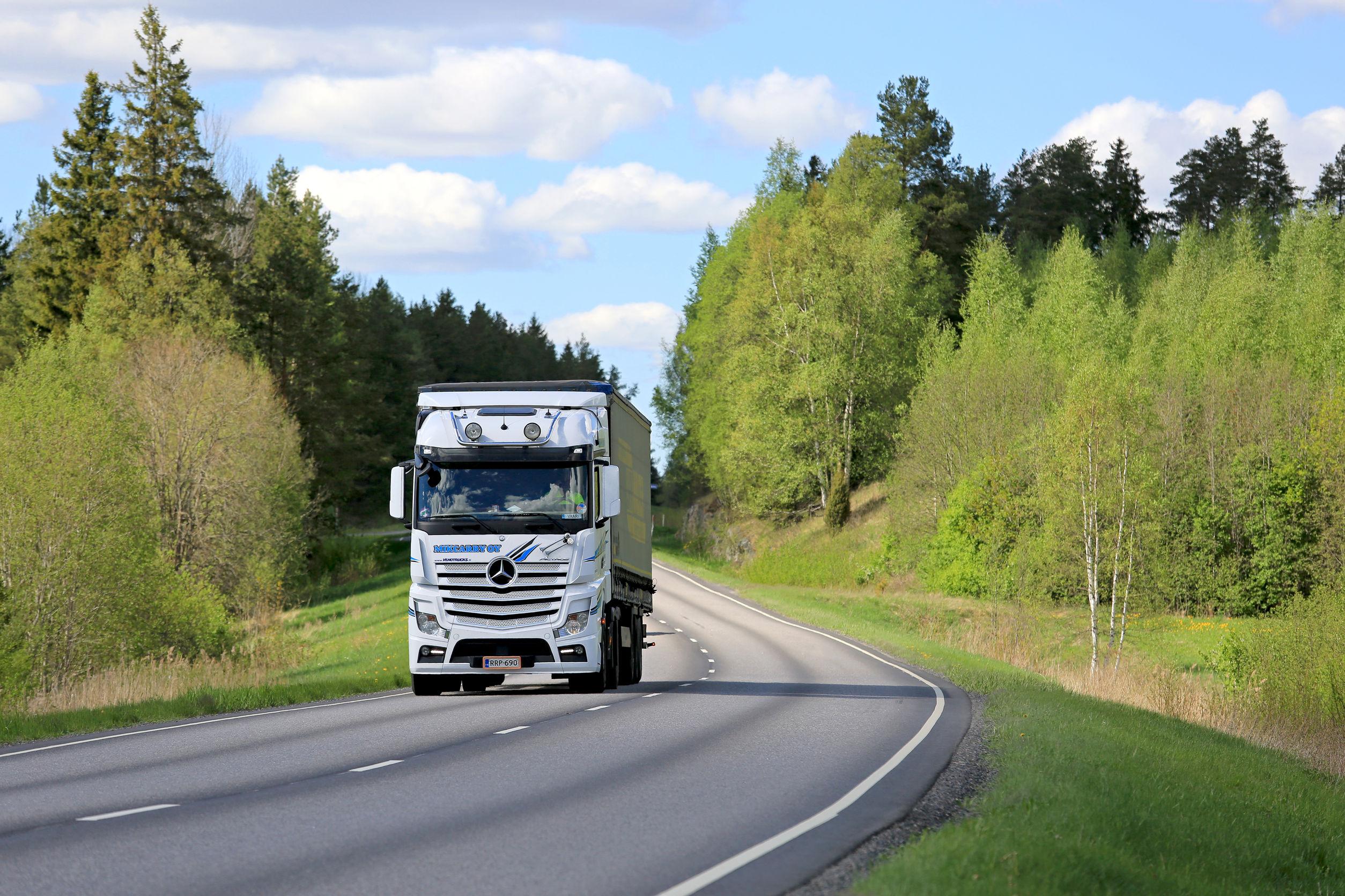 2_kamionut.jpg