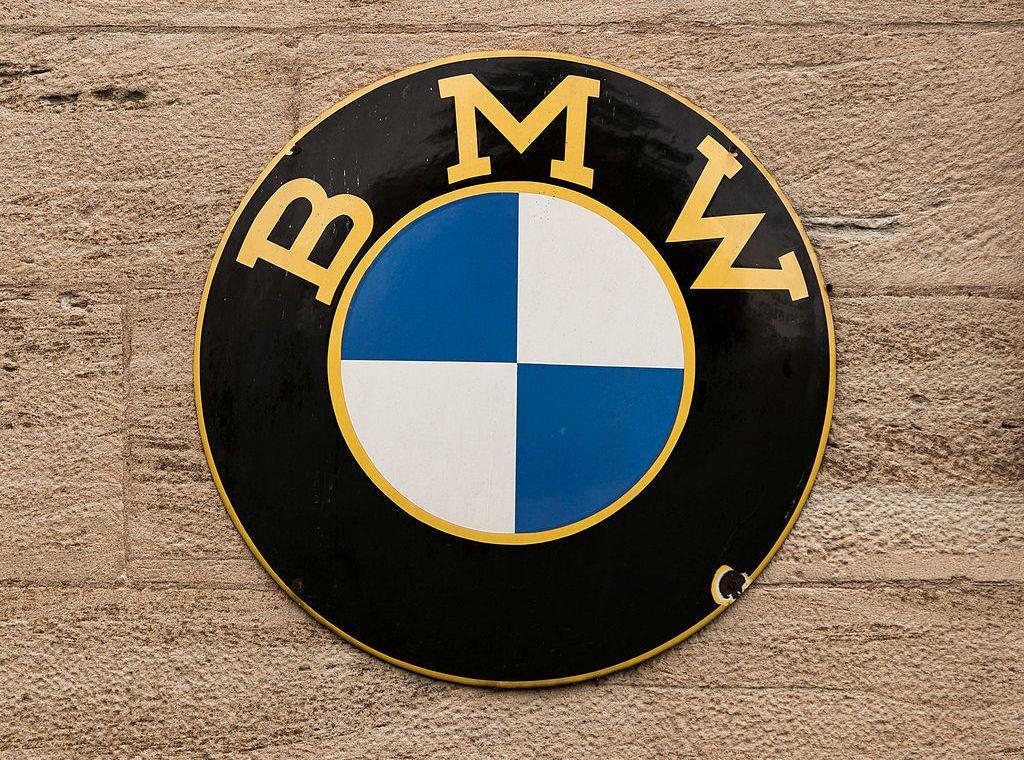 1024px-bmw_logo_wanfried_deutschland_imgl0605_edit_2.jpg