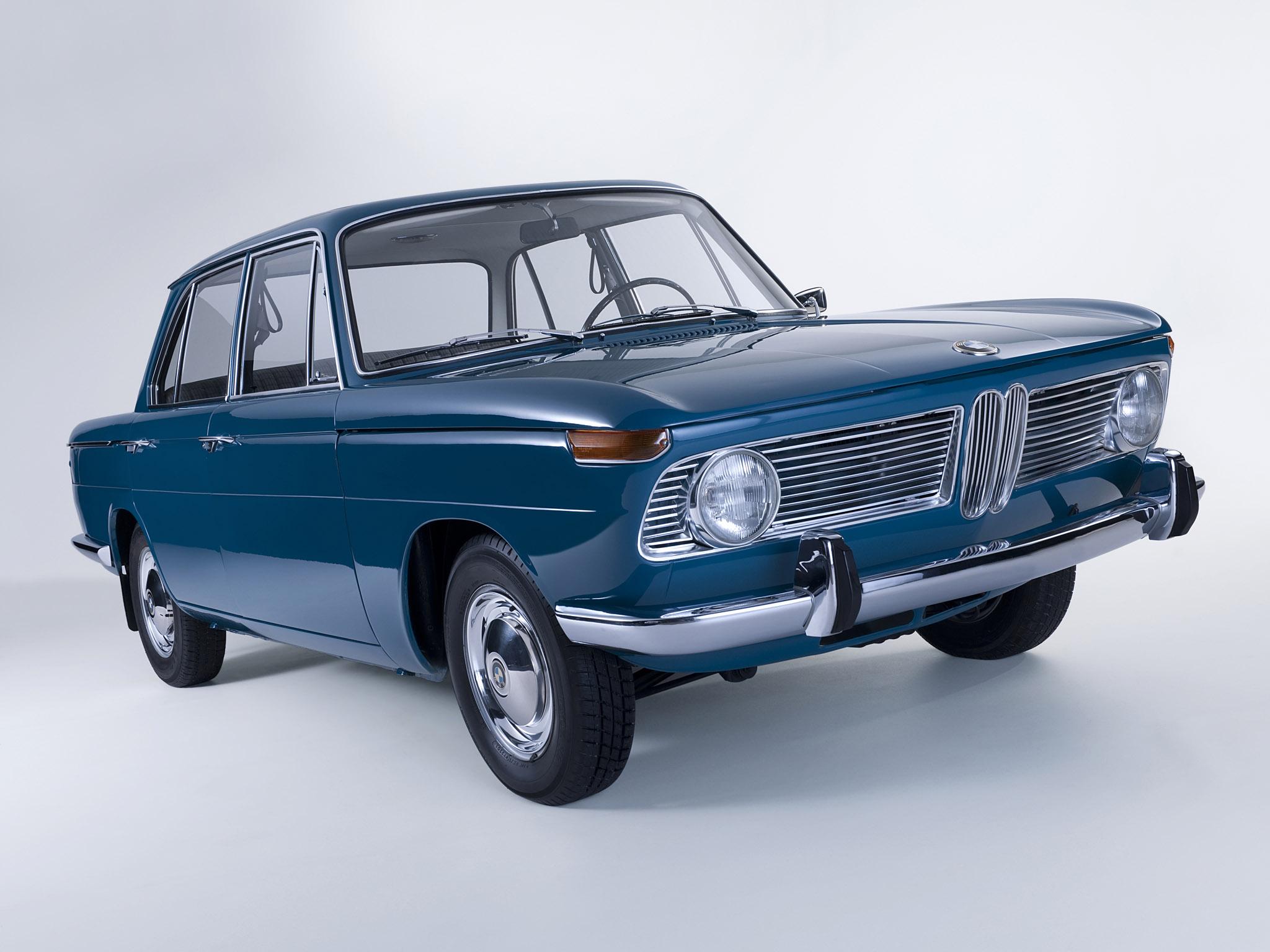 A Neue Klasse sorozat első darabja az 1500 volt 1962-ben. A nullával végződő típusok mind négyajtósok voltak.