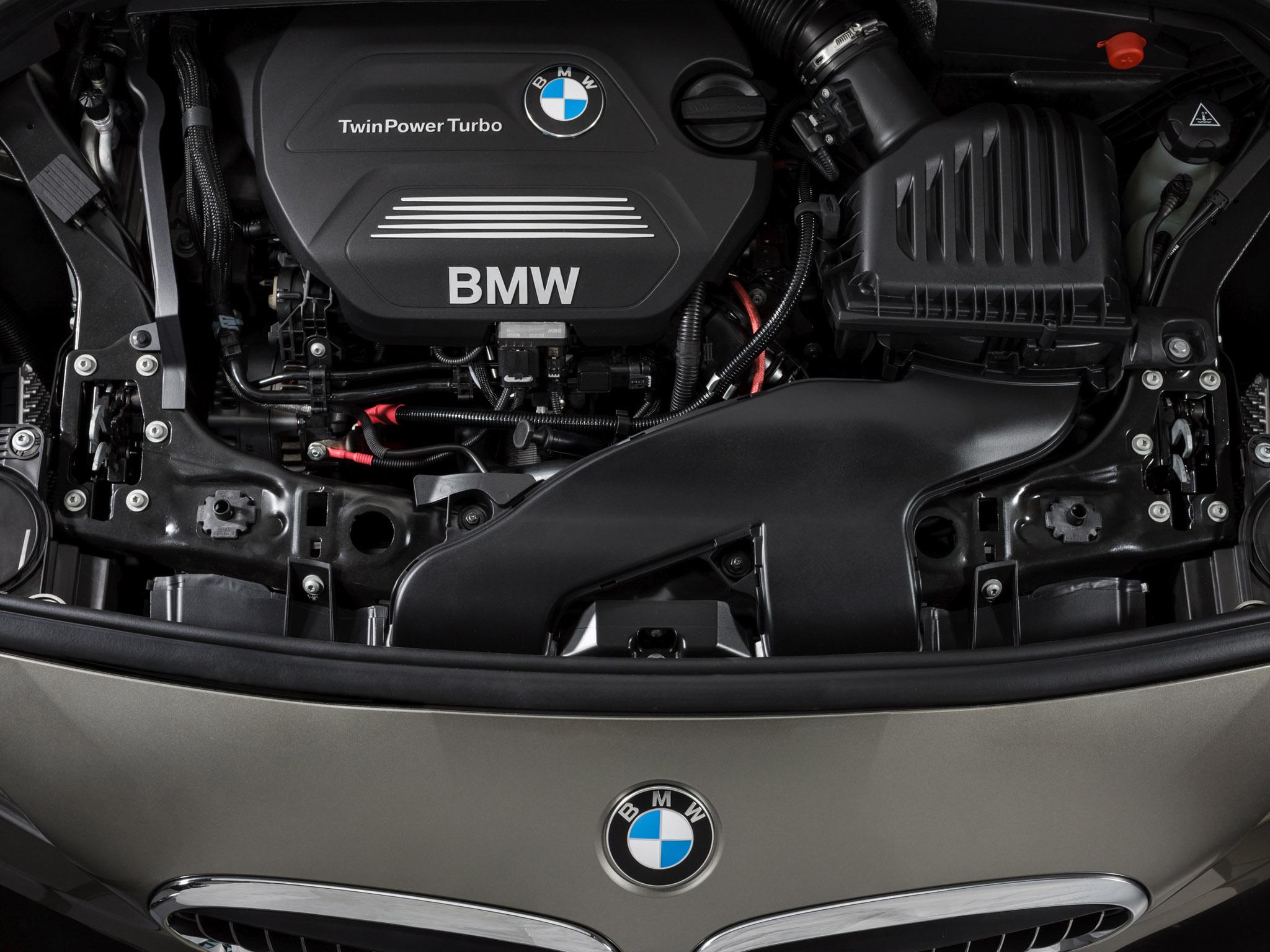 Orrmotor, keresztben, egy BMW-ben. 2014-ig kellett várni rá.