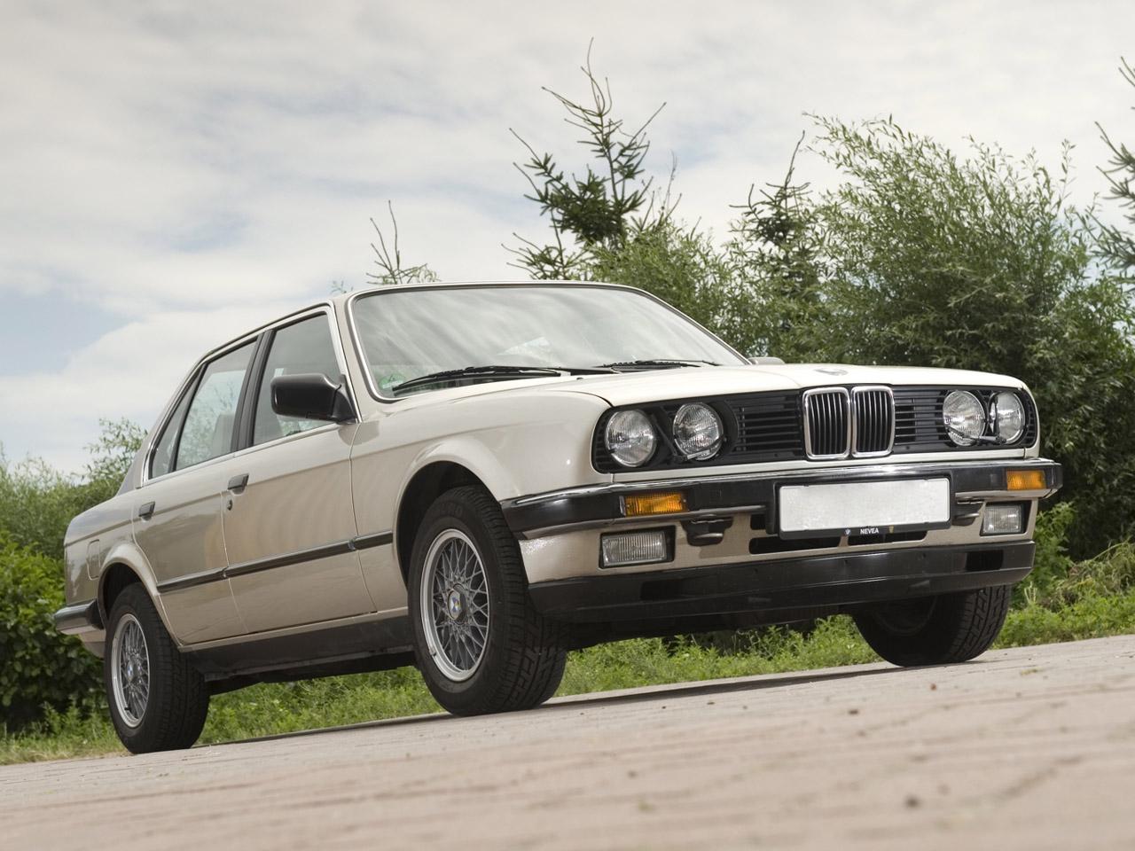 Fontos dátum 1982, sokaknak még ma is ez az arc jelenti 'A' BMW-t.