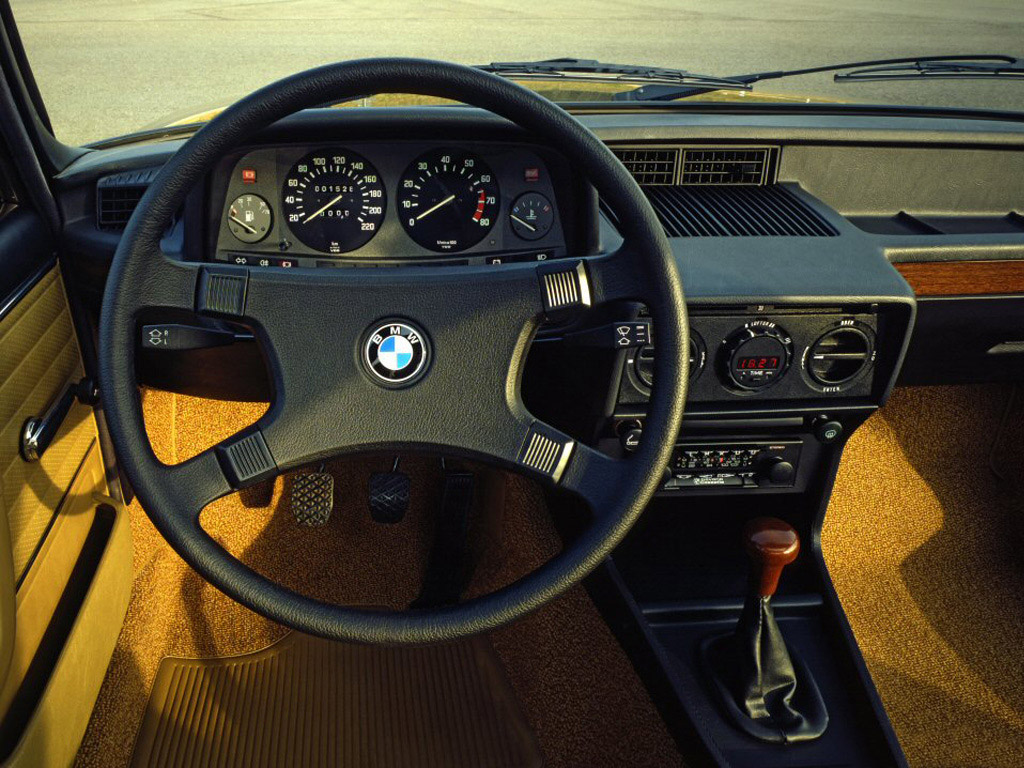 bmw_5-sedan-e12-1976-81_r2_jpg.jpg