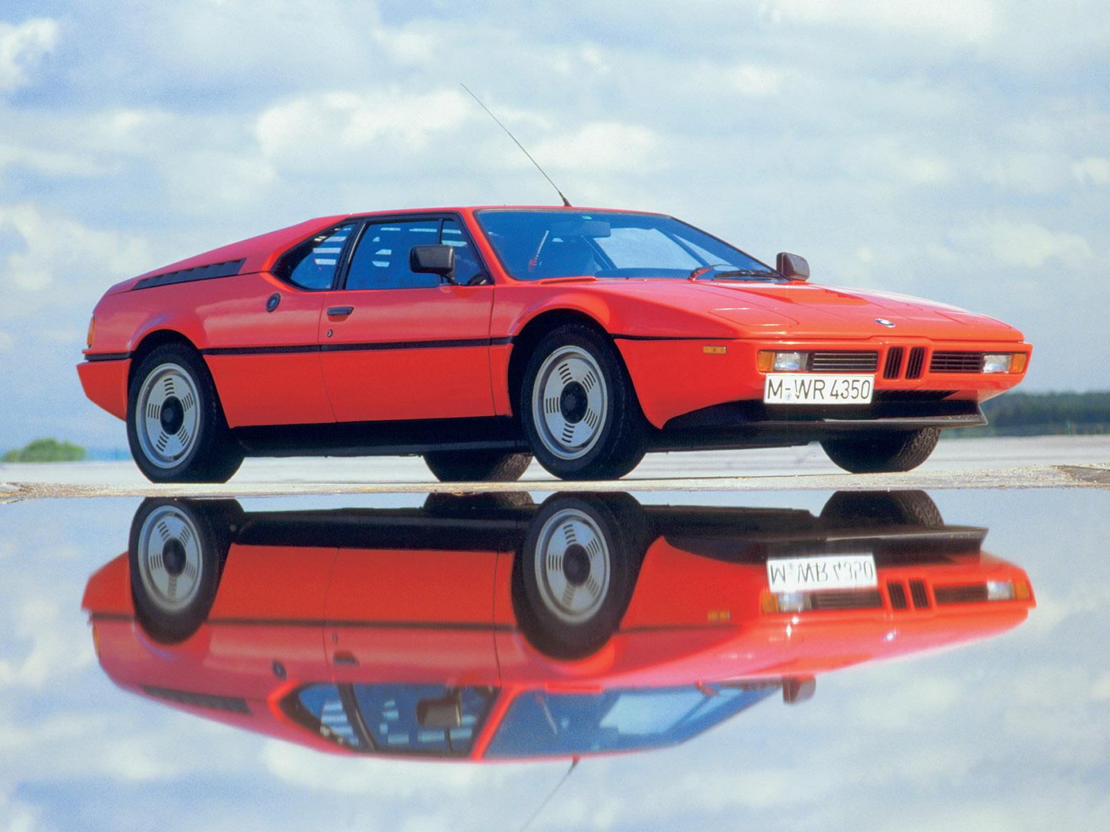 Az M1 lett az első középmotoros BMW. Egy egyedi versenyszéria, a Procar Series homologizációs céljából gyártottak le belőle 453 darabot '78 és '81 között.