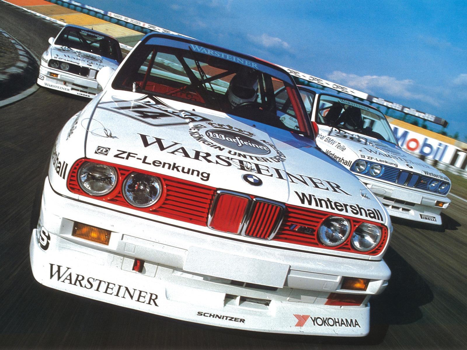 Az E30 M3 rajthoz állt a brit, az olasz, a francia és az ausztrál túraautó-bajnokságokban, de jelen volt az első WTCC szezonban és persze a DTM-ben is. Utóbbiban 1987-ben Eric Van Der Poele, majd 1989-ben Roberto Ravaglia nyert bajnokságot az M3-mal. Majd hallani sem lehetett felőlük.
