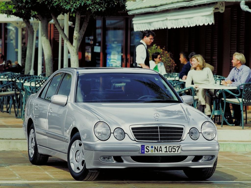 mercedes_e-1996_r4_jpg.jpg