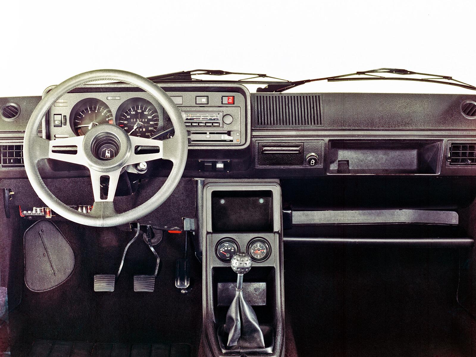 volkswagen_golf-gti-3-door-1976-83_r1_jpg.jpg