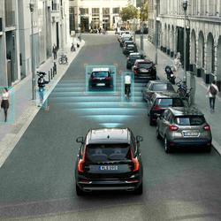 Őrangyalok az autóban: mik azok a vezetéstámogató rendszerek?