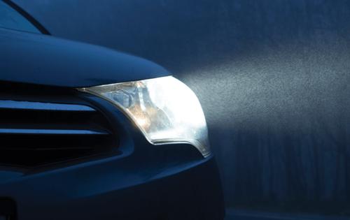 Így javíthatsz autód fényszóróján!