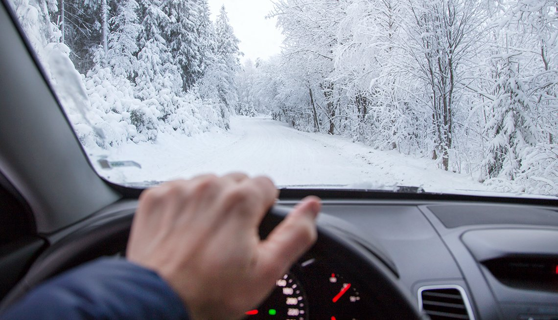 1140-winter-driving-tips-esp_imgcache_rev72185b8abbffbb8393b5df26d4c1e51c_web.jpg