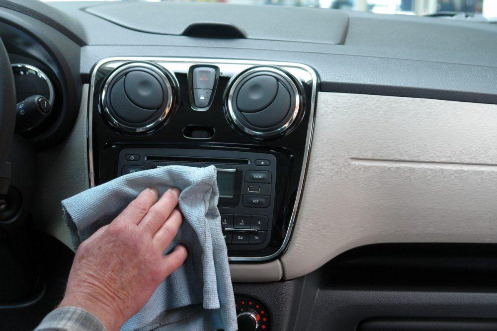 auto_car_wash_transport_car_care_inside_cleaning_dashboard-679818_jpgd_-1000x667.jpg