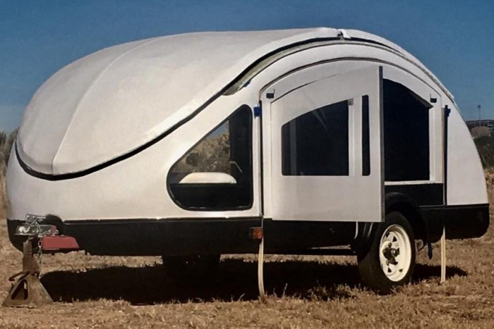 earth-traveler-teardrop-trailers-15-700x467.jpg