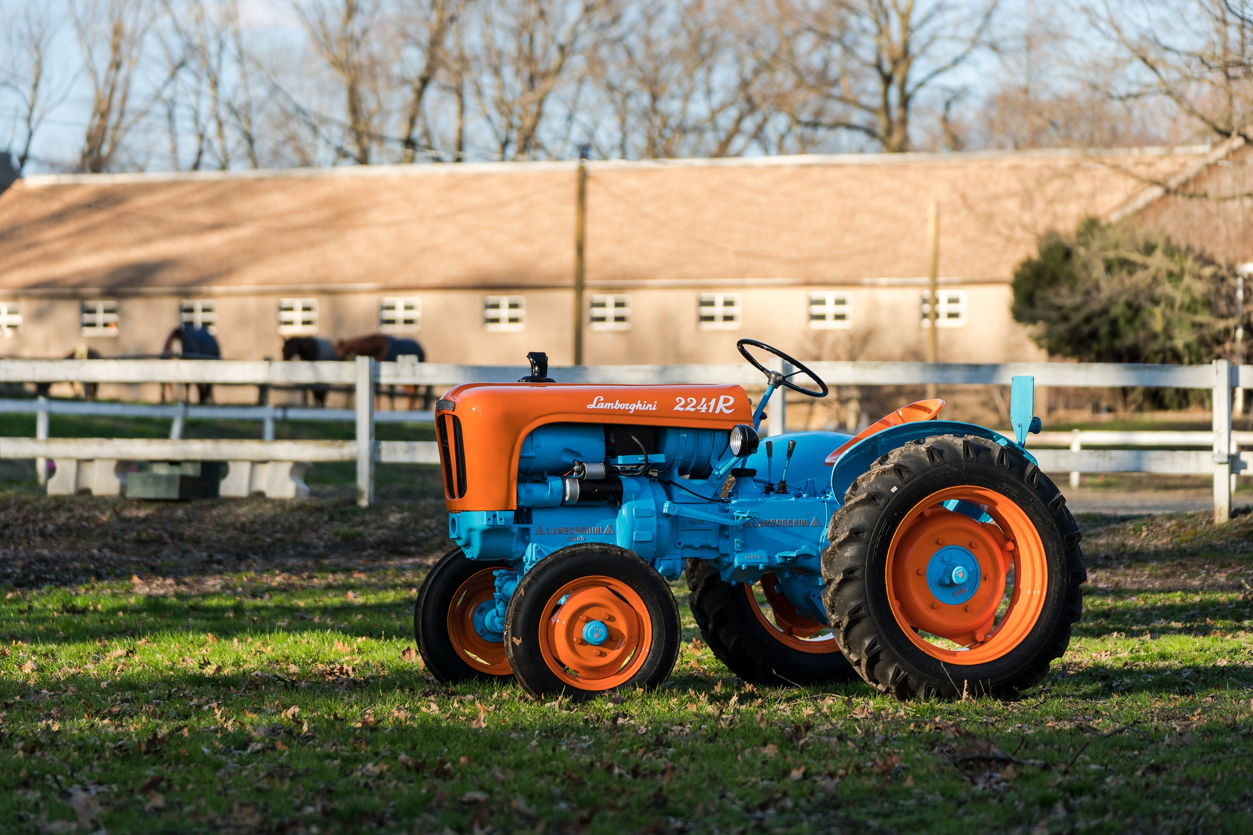 lamborghini_tractor-1.jpg