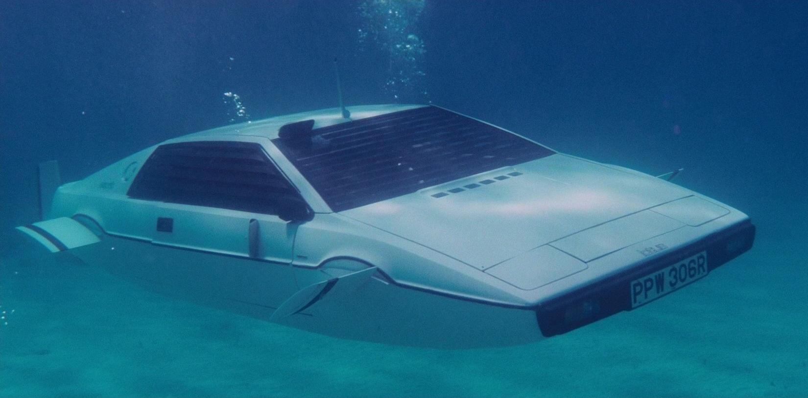 lotus_esprit_s1_submarine.jpg