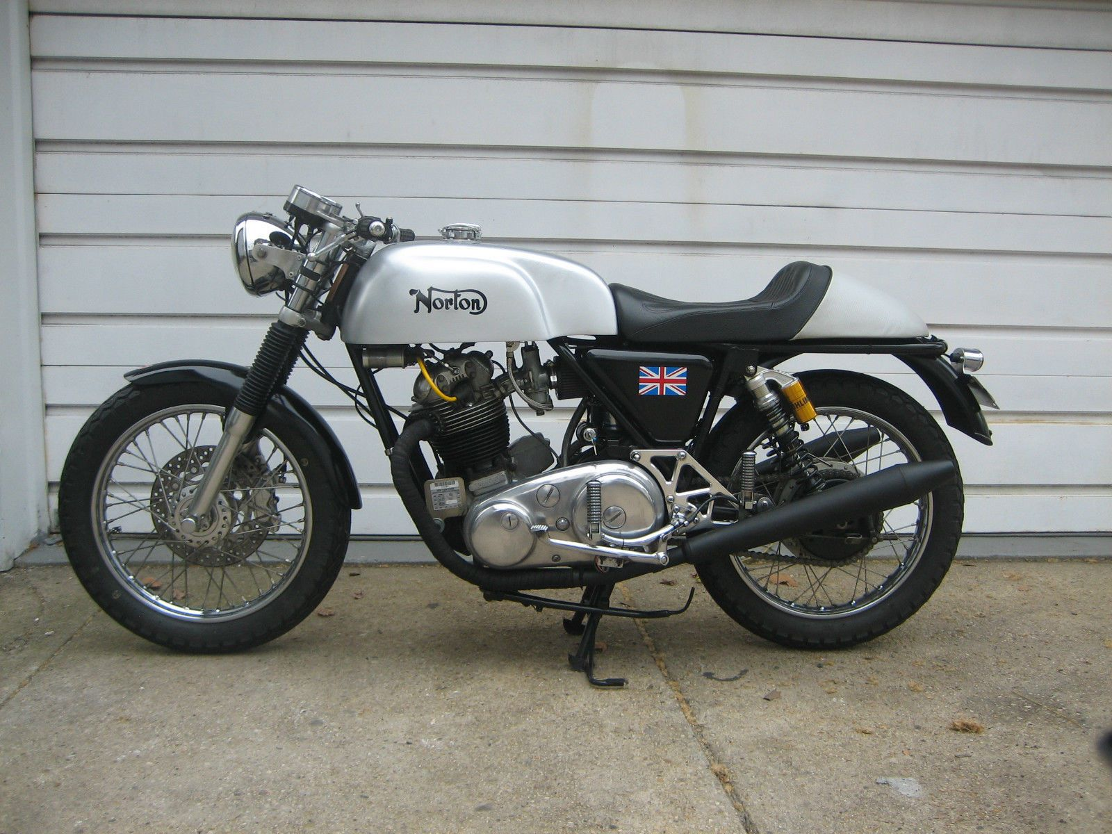 norton-commando-combat-cafe-racer-left-side.jpg