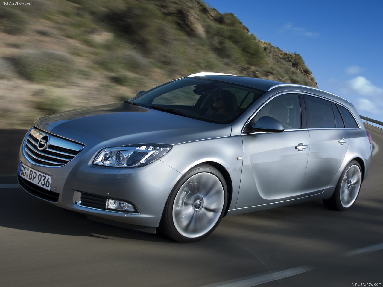 opel-insignia_sports_tourer-2010-1280-09.jpg