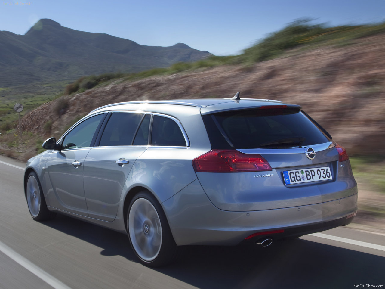 opel-insignia_sports_tourer-2010-1280-23.jpg