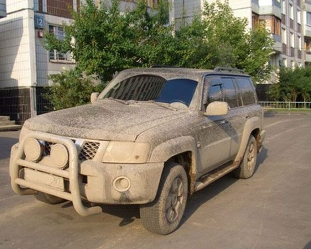 really_dirty_cars_from_russia_640_10.jpg