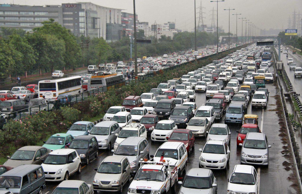 traffic-jam-delhi-air-pollution.jpg
