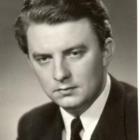 Egy egyenes derekú úr – Udvardy Tibor születésének centenáriumára