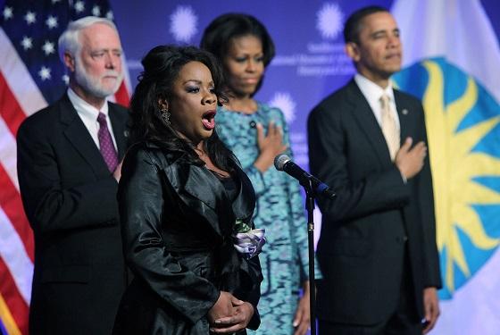 10president_obama_attends_nat_l_museum_african_yuvzegepmmix.jpg