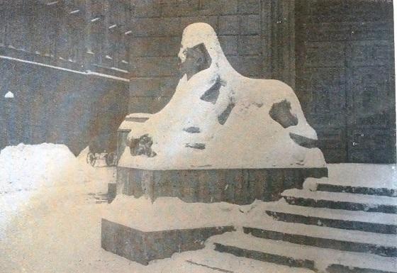 1917_az_operahazi_szfinx_horuhaban_uj_idok.jpg