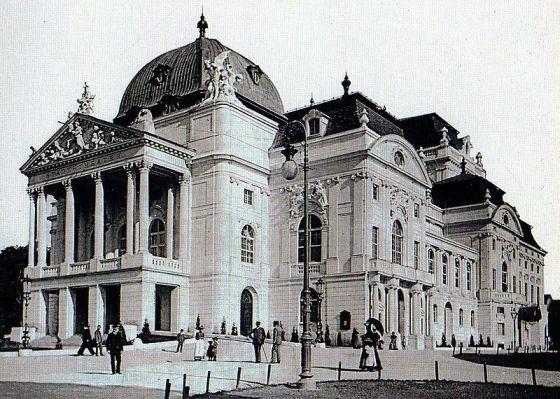 Graz, Városi Színház.jpg