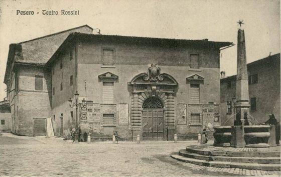 Pesaro, Teatro Rossini.jpg