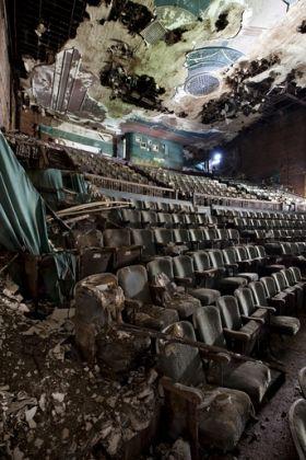 lepusztult színházak1.jpg