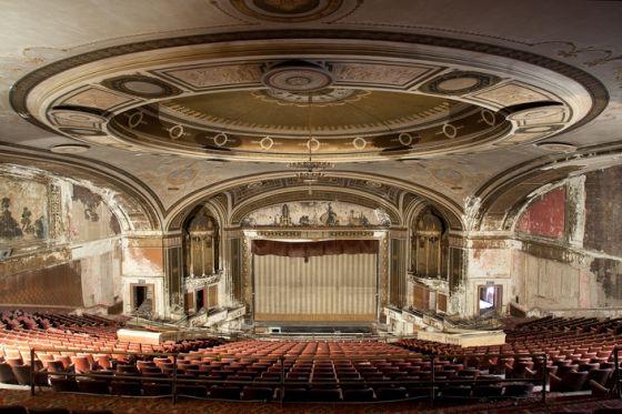 lepusztult színházak3.jpg