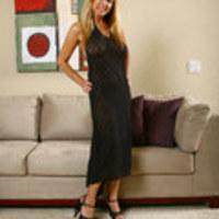 AllOver30 - Elegant Ladies: Nicole