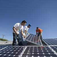 Jönnek a napelemes pályázatok a kkv-knak