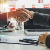 Sorra nyitnak a bankok a kkv-k felé