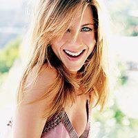 Jennifer Aniston végre terhes!