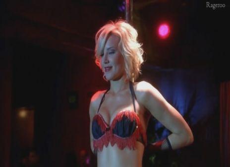 Brianne_Davis-Desperate_Housewives_S6E12-2.jpg