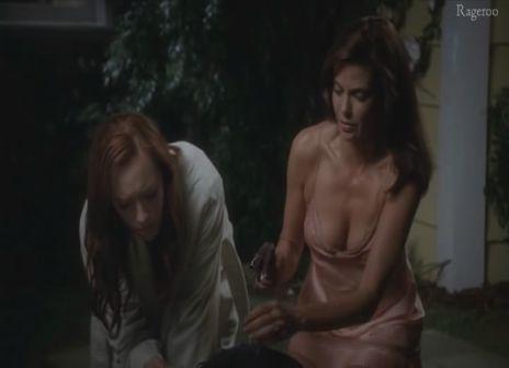 Teri_Hatcher-Dana_Delany-Desperate_Housewives_S6E05.jpg