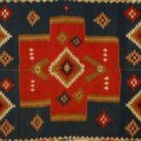 Nők, szőnyegek, háziipar. A Néprajzi Múzeum kiállítása.
