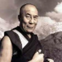 Neten is nézhetjük a Dalai Lámát!