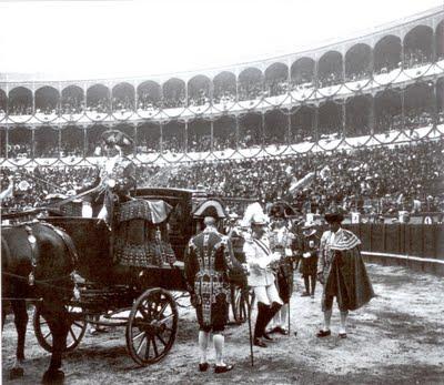 Alfonso XIII plaza.jpg