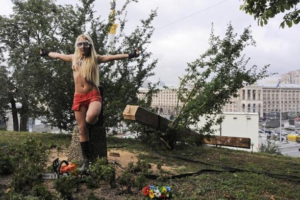 pussy riot - ukrajna - femen.JPEG