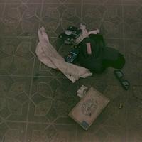 Két új fotó Kurt Cobain öngyilkosságának helyszínéről, van rajtuk cigi és napszemüveg