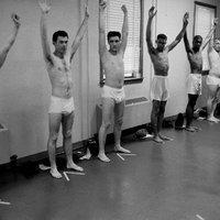 Így kezdte meg katonai szolgálatát a 23 éves Elvis