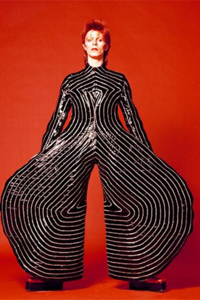 1970s-david-bowie-fashions-16.jpg