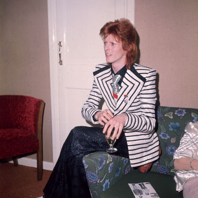 1970s-david-bowie-fashions-17.jpg