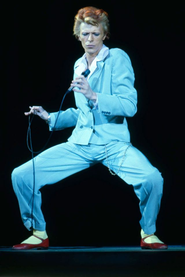 1970s-david-bowie-fashions-18.jpg