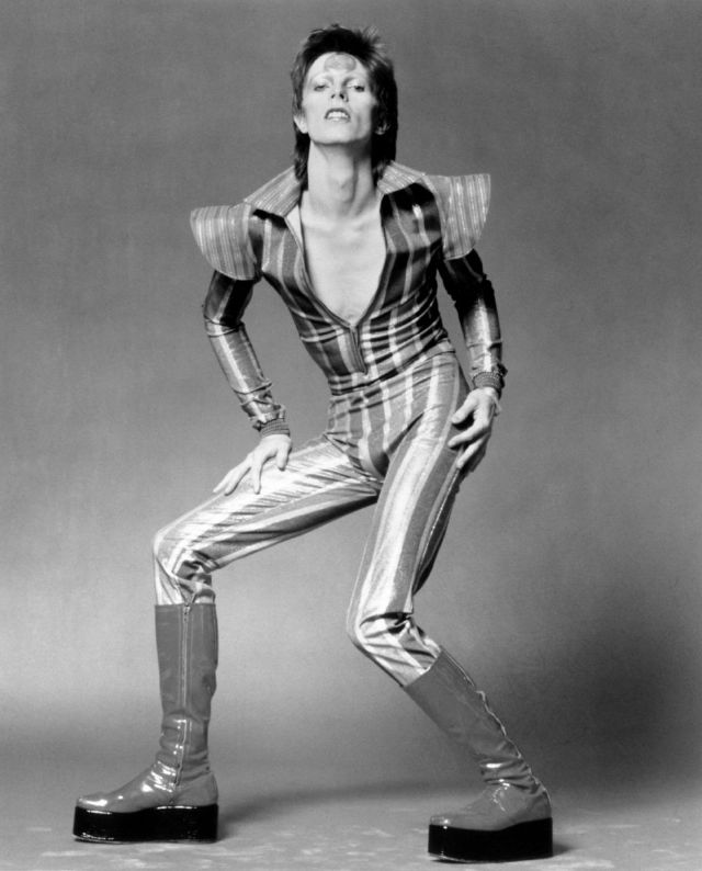 1970s-david-bowie-fashions-2.jpg
