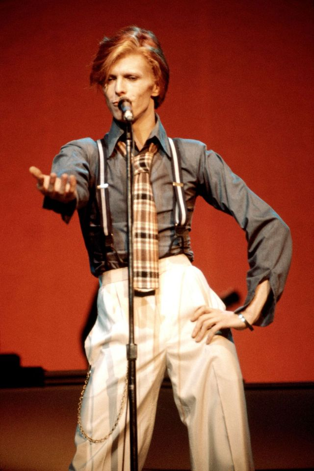 1970s-david-bowie-fashions-22.jpg