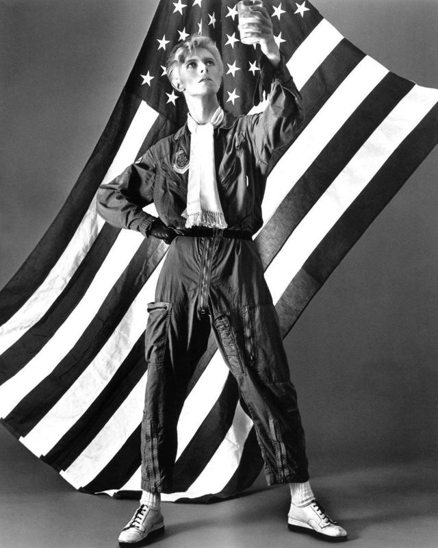1970s-david-bowie-fashions-26.jpg
