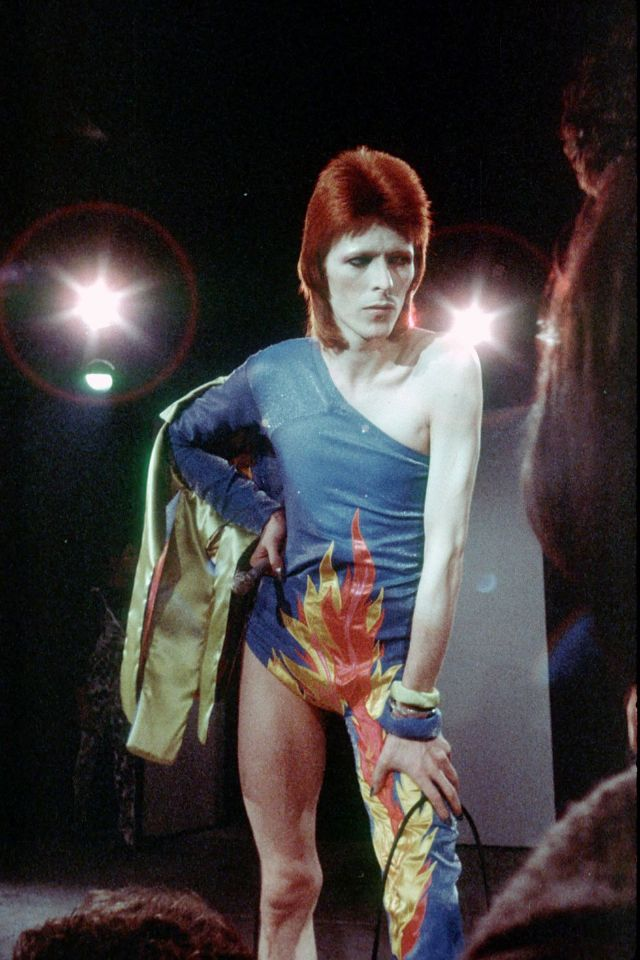 1970s-david-bowie-fashions-3.jpg