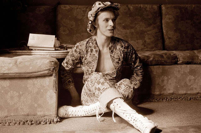 1970s-david-bowie-fashions-4.jpg