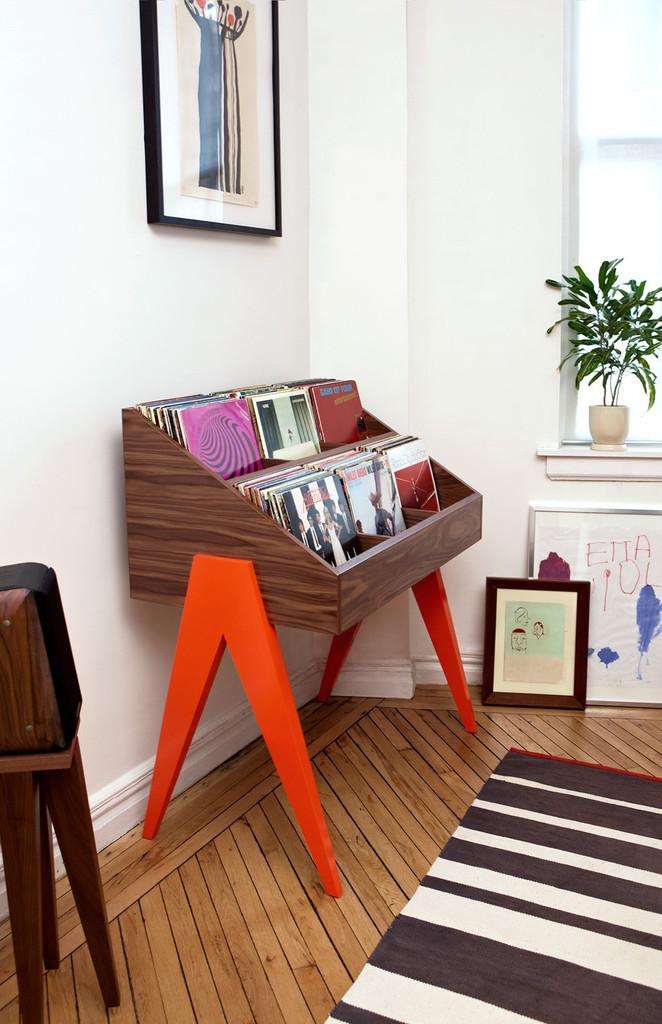 atocha-design-orange-stand-living.jpg